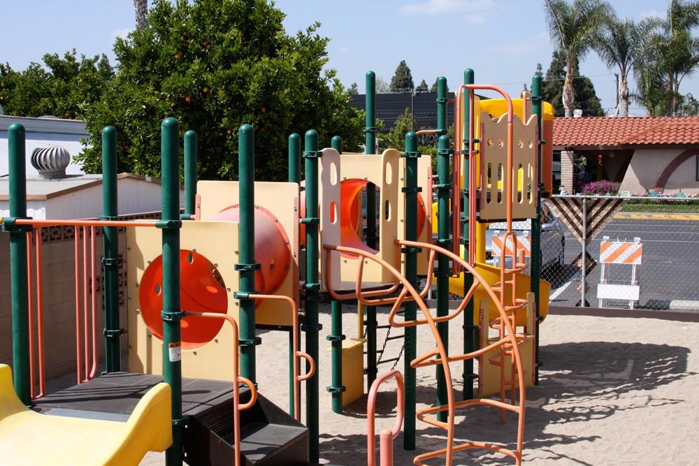 orangeland-rv-park-playground