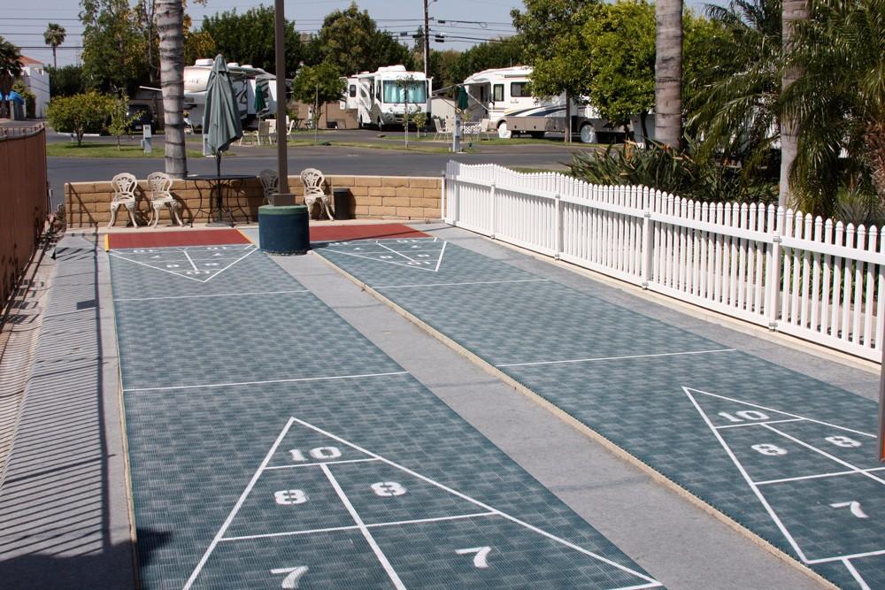 orangeland-rv-park-shuffle-board